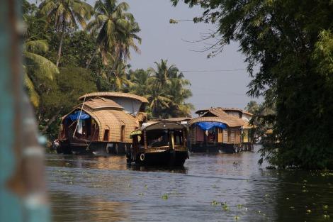 The houseboat traffic jam